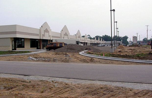 Apple Avenue Mall - July 18 2001 - east view