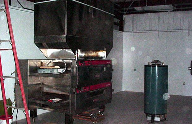 Apple Avenue Mall - July 27 2001 - new pizza oven