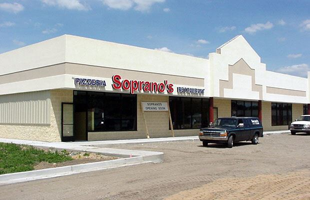 Apple Avenue Mall - July 27 2001 - new restaurant front
